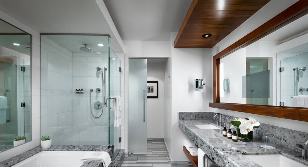 Fairmont Pacific Rim - Owner's Suite Master Bathroom : Photo credit© Fairmont Pacific Rim