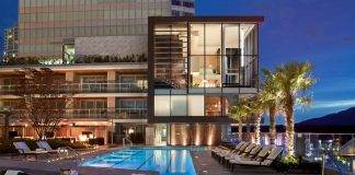 Fairmont Pacific Rim - Rooftop Pool : Photo credit © Fairmont Pacific Rim