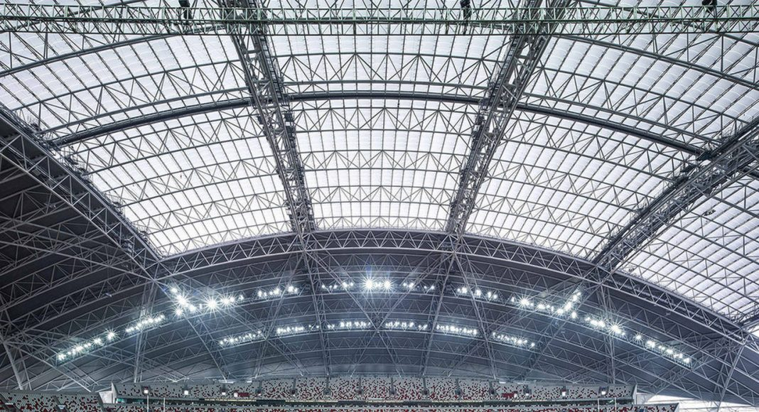 The dome roof form was chosen as it is inherently a highly structurally efficient geometry for a roof structure of this scale, especially one that integrates a retractable roof : Photo credit © Christian Richters