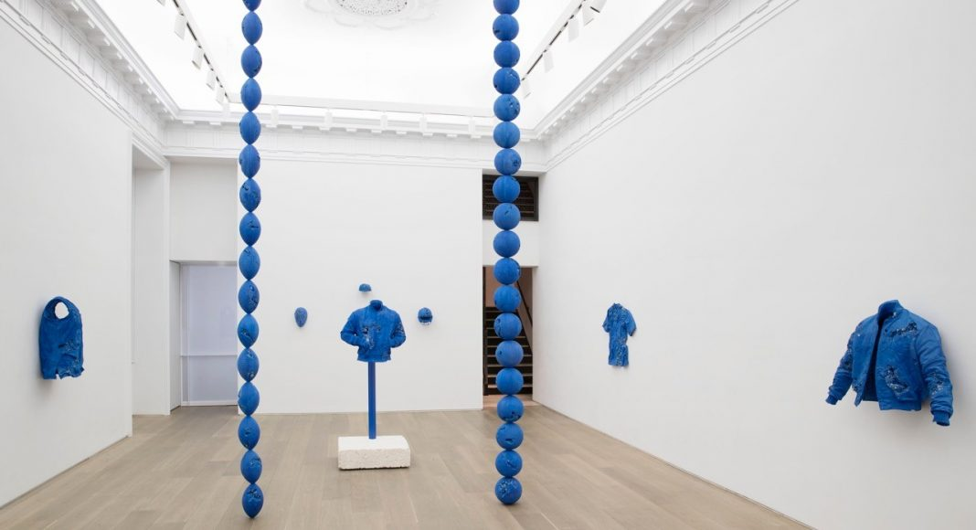 © Galerie Perrotin - Daniel Arsham Circa 2345 Installation Imagery : Courtesy of © Guillaume Ziccarelli