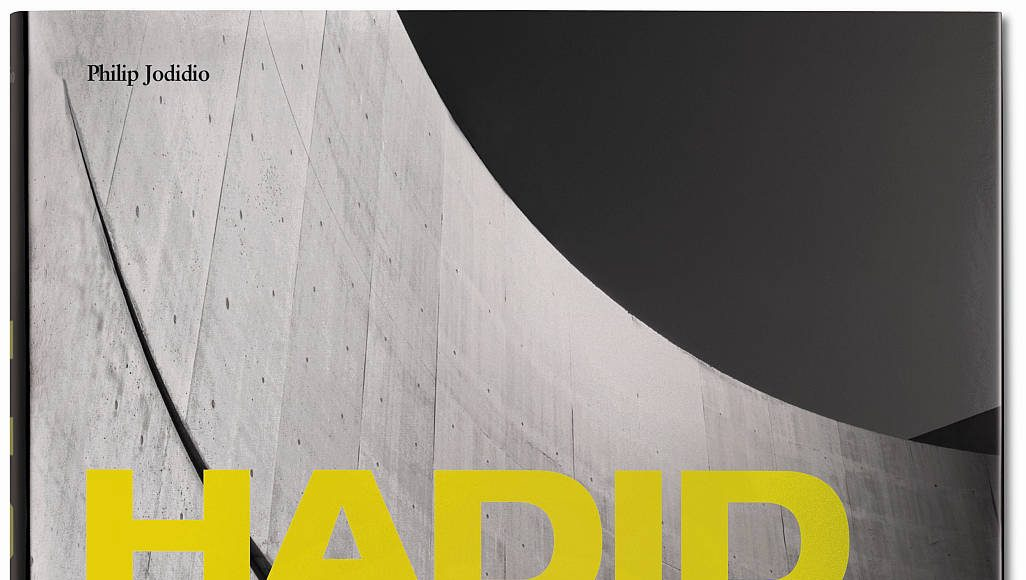 Hadid. Complete Works 1979-today, by Philip Jodidio - Tapa dura, 22.8 x 28.9 cm, 612 páginas : Cover © TASCHEN GmbH