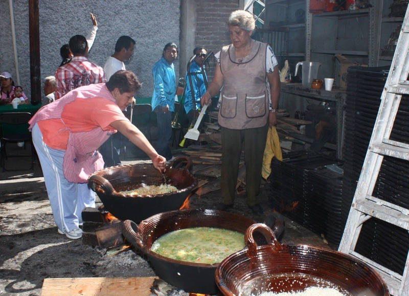 Alimentos para la fiesta patronal : Foto © INAH