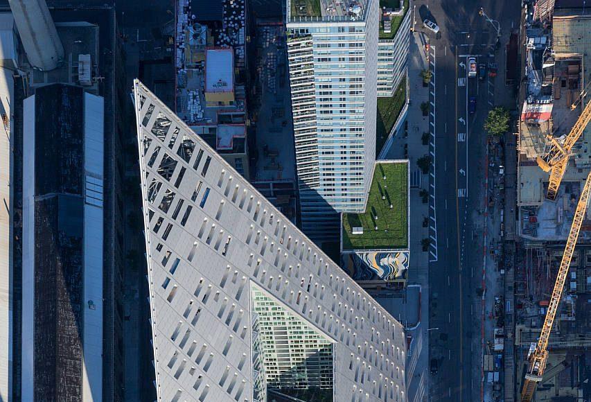 VIΛ 57 West Aerial View by BIG – Bjarke Ingels Group : Photo credit © Iwan Baan
