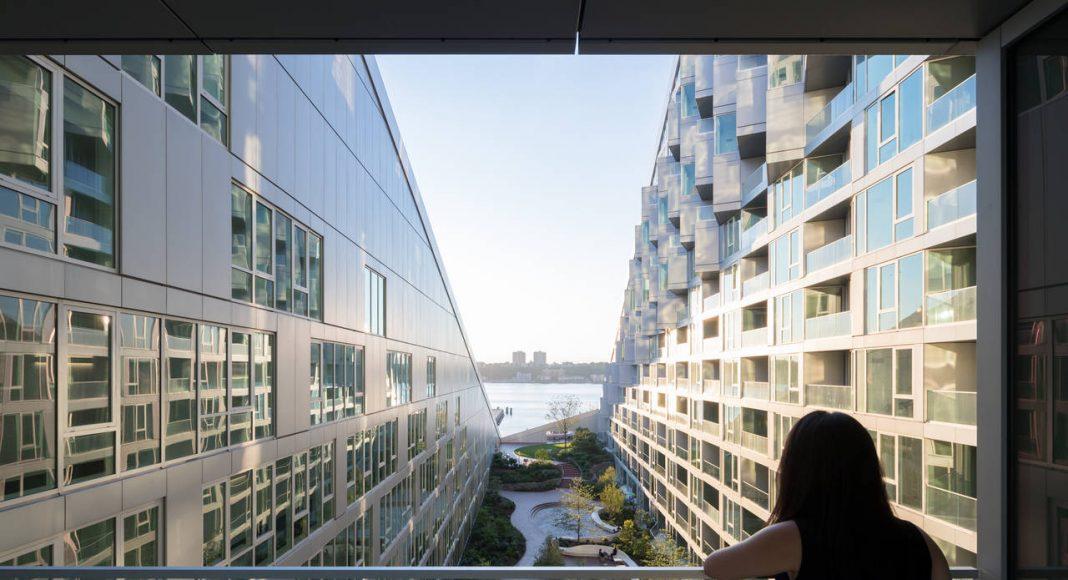 VIΛ 57 West Courtyard View by BIG – Bjarke Ingels Group : Photo credit © Iwan Baan