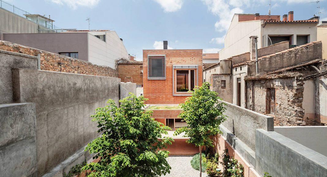 Casa1014. HARQUITECTES. España : Photo © Adriá Goula
