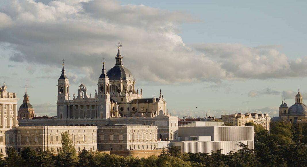 Museo de las Colecciones Reales. Luis Moreno Mansilla y Emilio Tuñón Álvarez. España : Photo © Luis Asin