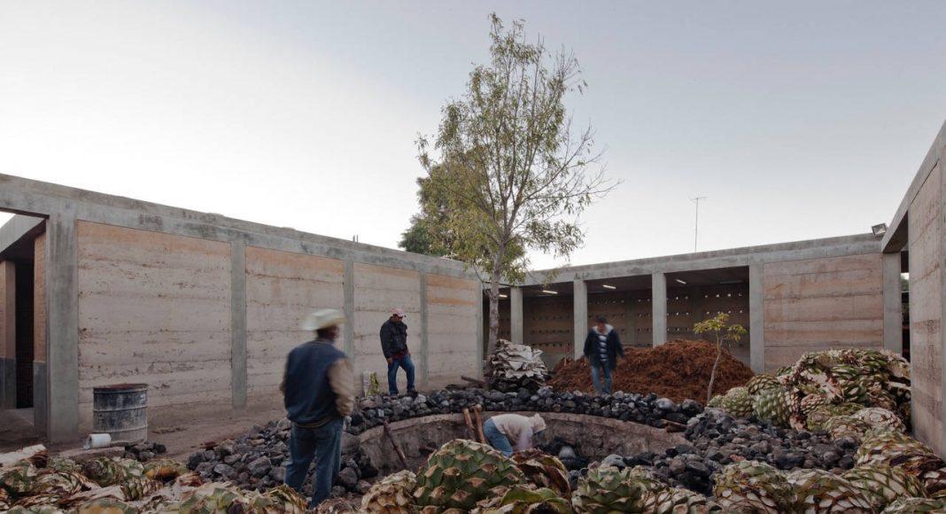 Industria Palenque Milagrito. Jorge Ambrosi y Gabriela Etchegaray. México : Photo © Onnis Luque