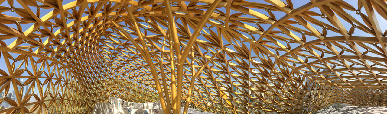 The shape of the roof, which at some points is a full 13m high, reaches immense horizontal spans across a surface of some 800m² : Photo credit © Björn Asmussen