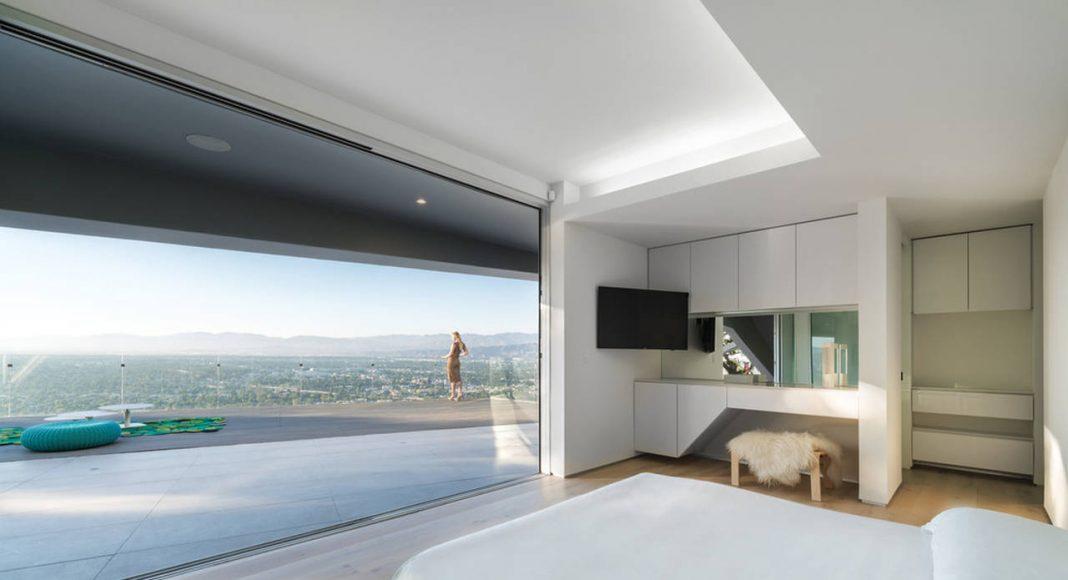 MU77 - BEDROOM BY ARSHIA ARCHITECTS : Photo credit © PAUL VU