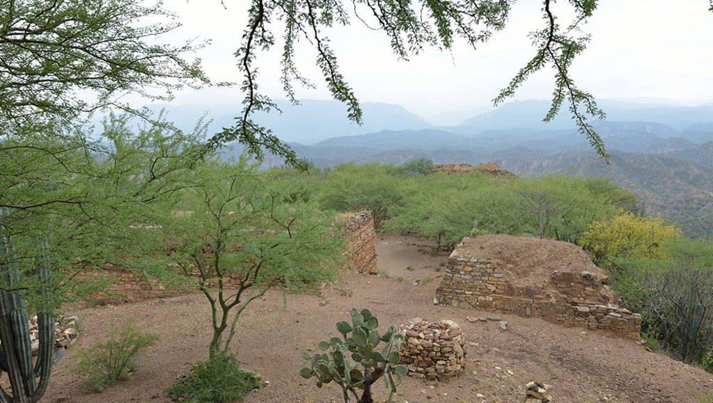 En su conjunto los sitios arqueológicos hablan de una larga historia de ocupación humana : Foto © CONANP