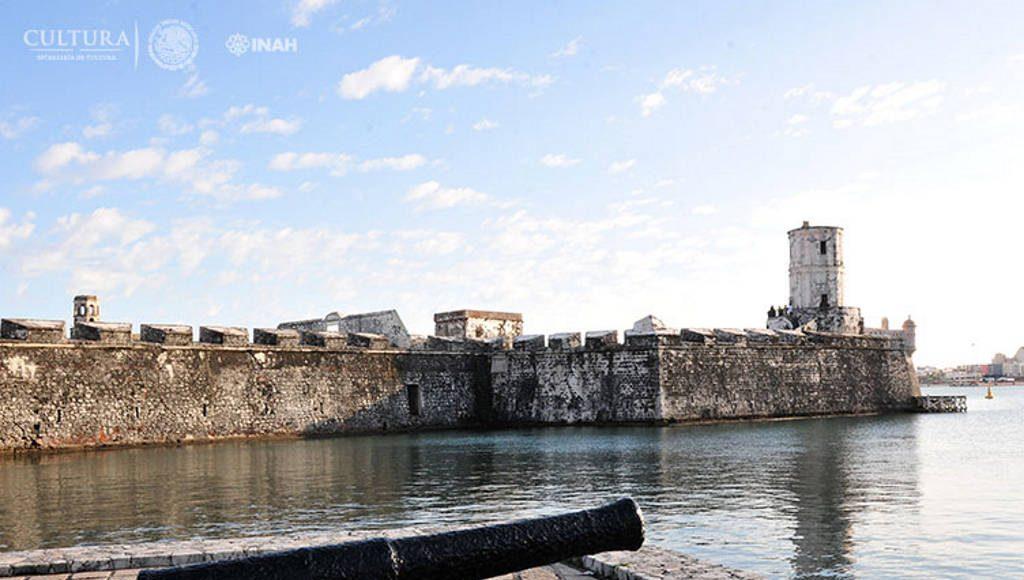 Construidas a partir del siglo XVI con el obejtivo de resguardar a la todavía nimoritaria población española : Foto © Héctor Montaño INAH