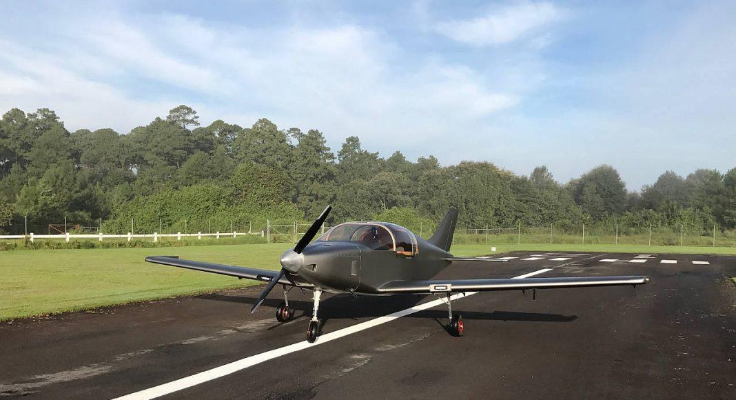 Pirwi y Horizontec crean el primer avión de madera construido en México : Fotografía © Pirwi