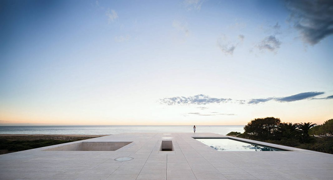 Alberto Campo Baeza, House of the Infinite : Copyright © Javier Callejas / TASCHEN