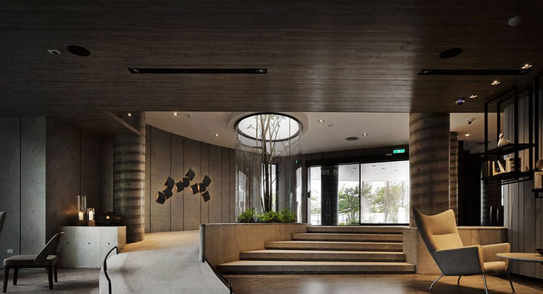 Green Places Community Clubhouse Entrance Lobby by Chain 10 Urban Space Design : Photo credit © Kuo-Min Lee