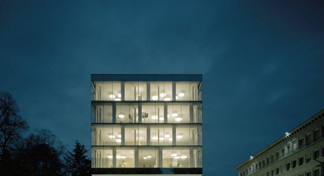 WTO by Night in Genève, Switzerland by Wittfoht Architekten : Photo credit © Brigida González