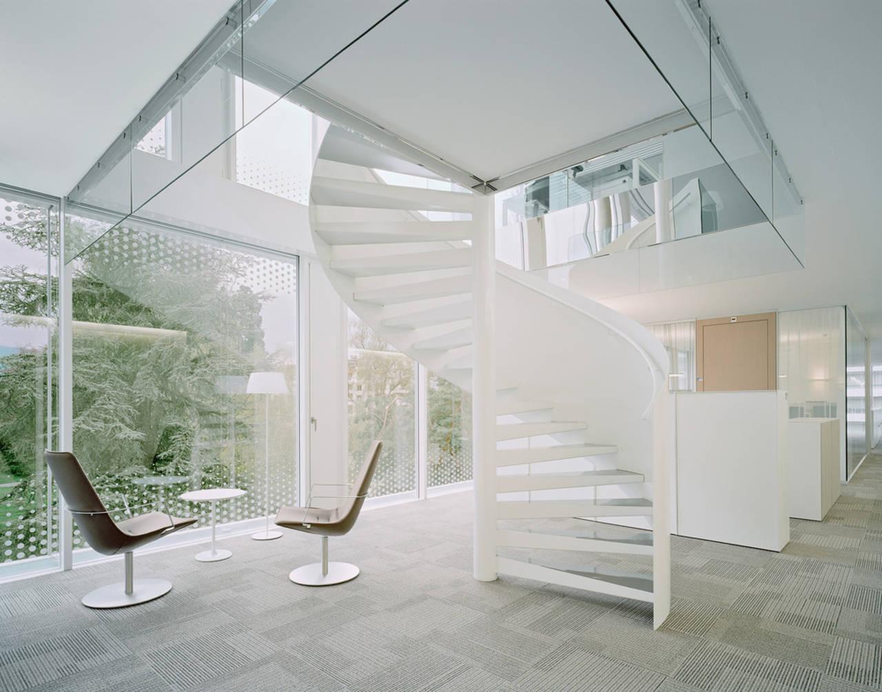 Spiral Stairs promote Internal Communication World Trade Organization in Genève, Switzerland by Wittfoht Architekten : Photo credit © Brigida González