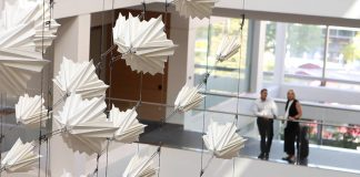 Diffusion Choir Stunning Kinetic Sculpture by Sosolimited, Plebian Design and Hypersonic : Photo © Sosolimited