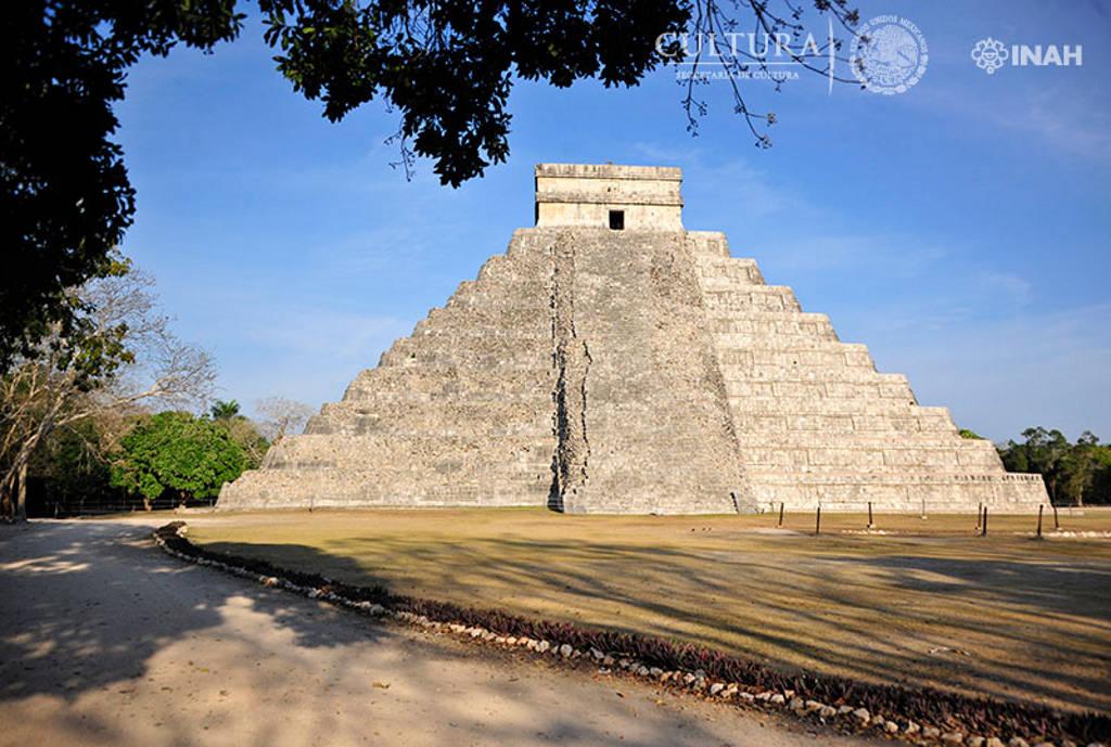 Hallan especialistas una segunda subestructura en la Pirámide de Kukulcán, en Chichén Itzá : Foto © Héctor Montaño INAH