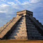 El Castillo. Zona arqueológica de Chichén Itzá : Foto © Mauricio Marat INAH
