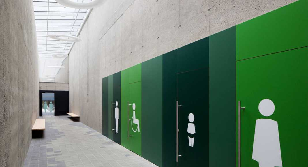 Toilets for customers : Photo credit © Markus Kaiser