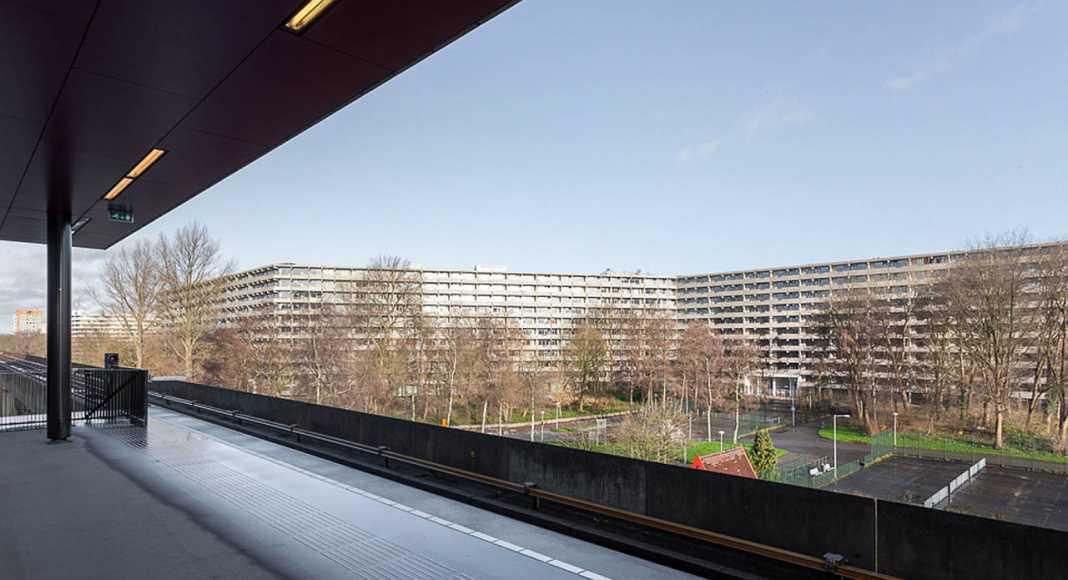 Amsterdam, NL deFlat Kleiburg : Photo © Marcel van der Brug