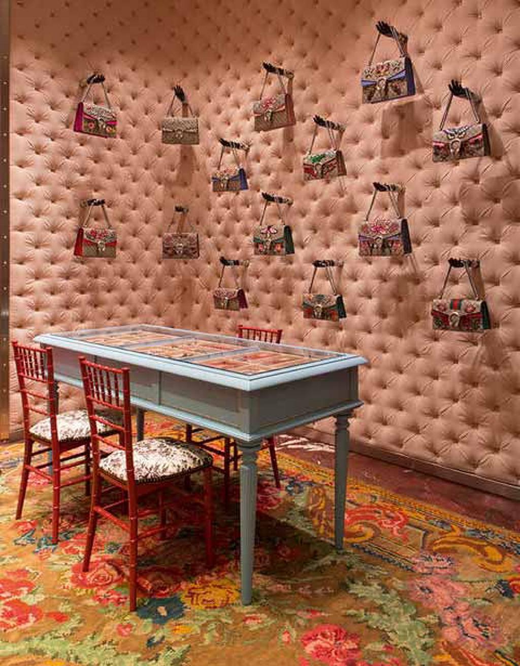 Gucci está permitiendo a los consumidores hacer modificaciones manuales en la tienda : Fotografía cortesía de © MTD