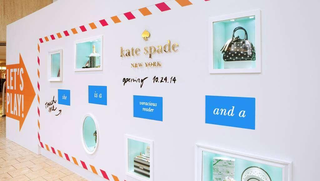 Kate Spade 'Coming Soon' Wall es una plataforma minorista interactiva : Fotografía cortesía de © MTD