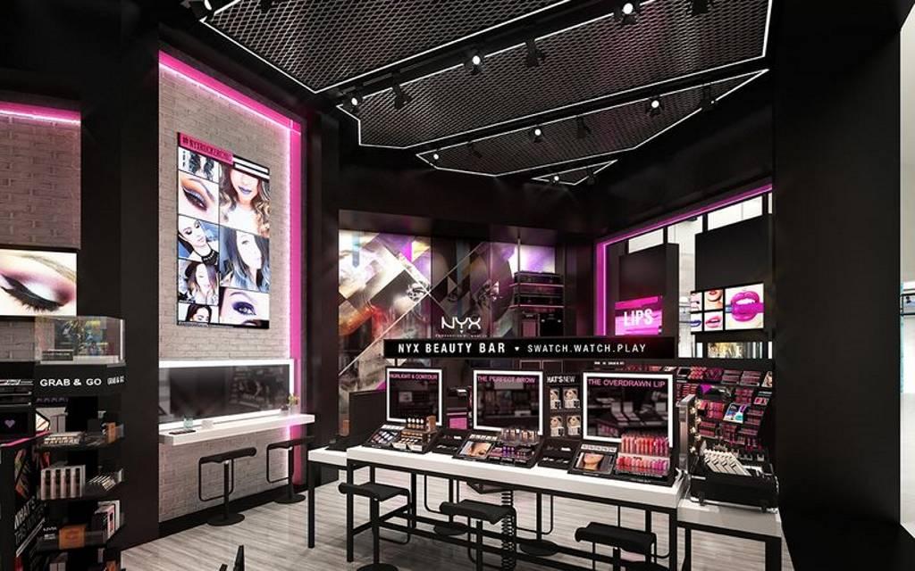 La nueva tienda NYX New Jersey tiene una estación de maquillaje interactiva : Fotografía cortesía de © MTD