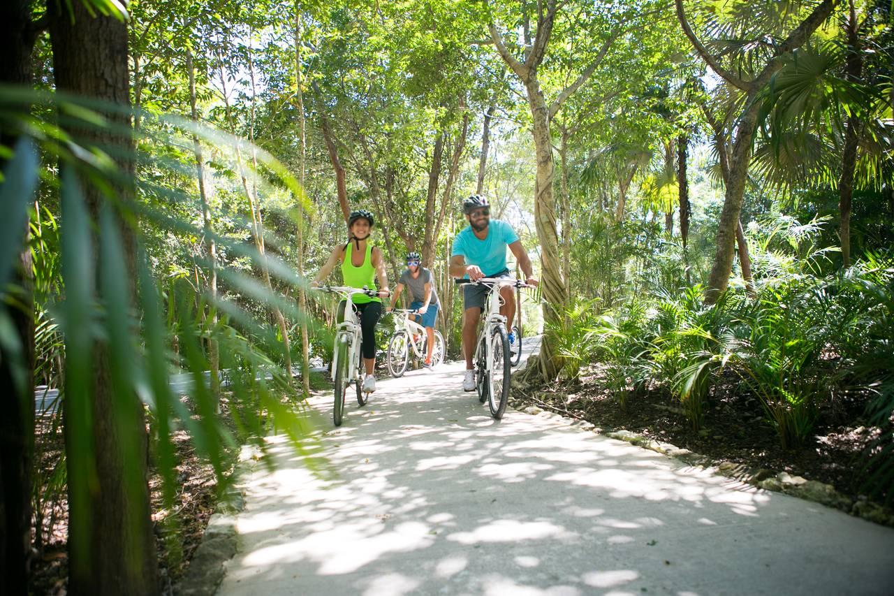 Andaz Mayakoba Resort Camp Biking : Fotografía © Andaz Mayakoba Resort by Grupo Hyatt