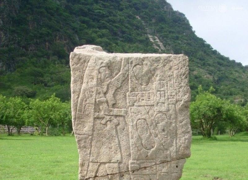 Estelas, petrograbados y altares de la zona arqueológixa han sido digitalizadas : Fotografía cortesía de © Carolina Meza y © Mario Córdova INAH