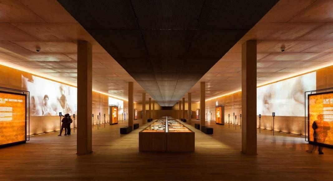 Rivesaltes Memorial Museum, Rivesaltes/Ribesaltes, FR diseñado por Rudy Ricciotti, Bandol : Fotografía © Kevin Dolmaire