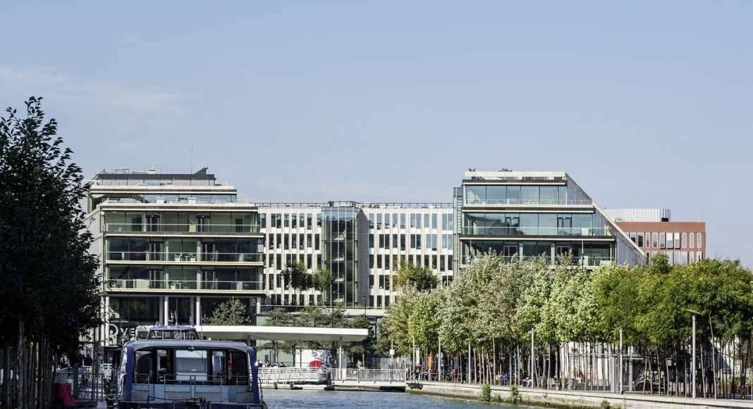 Veolia HQ View from the Harbor Basin designed by DFA | Dietmar Feichtinger Architectes : Photo © Hertha Humaus