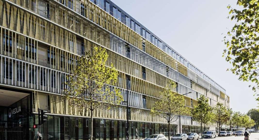 Veolia HQ West Facade Twist designed by DFA | Dietmar Feichtinger Architectes : Photo © Hertha Humaus