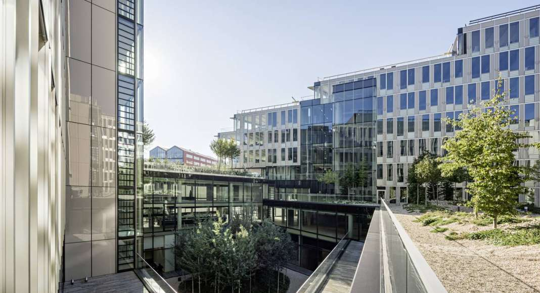 Veolia HQ Yard Hall View designed by DFA   Dietmar Feichtinger Architectes : Photo © Hertha Humaus