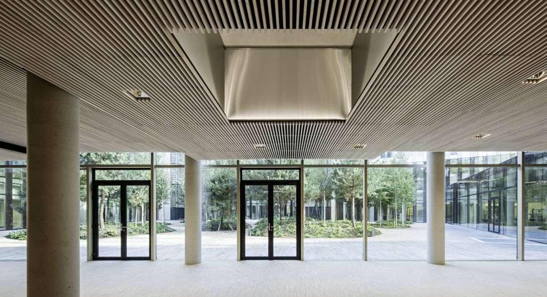 Veolia HQ Dinning Room View designed by DFA   Dietmar Feichtinger Architectes : Photo © Hertha Humaus