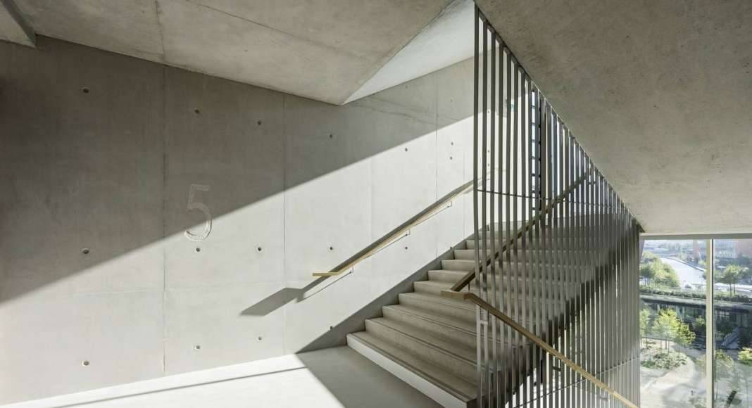 Veolia HQ Stairway View designed by DFA | Dietmar Feichtinger Architectes : Photo © Hertha Humaus