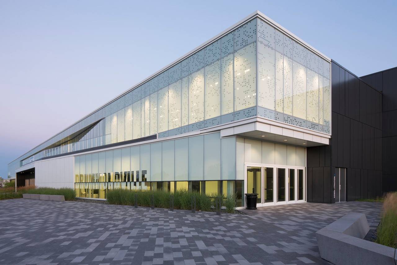 Centrexpo Cogeco Drummondville by CCM2 architects + Bilodeau Baril Leeming architects : Photo credit © Stéphane Groleau
