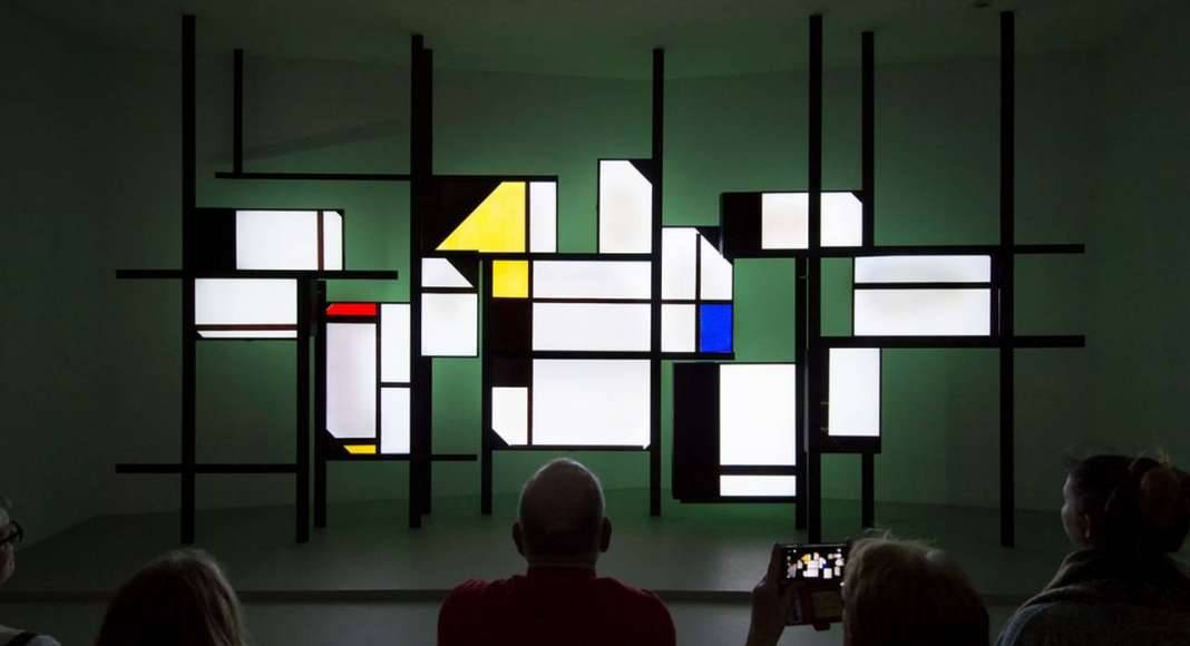 Mondrian experimented with lines and abstract areas : Photo credit © Mike Bink Photography
