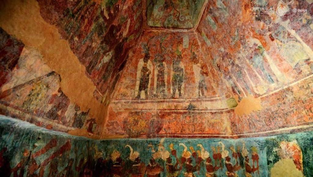 Los tres aposentos suman alrededor de 250 m² de pintura prehispánica : Foto © Mauricio Marat, INAH