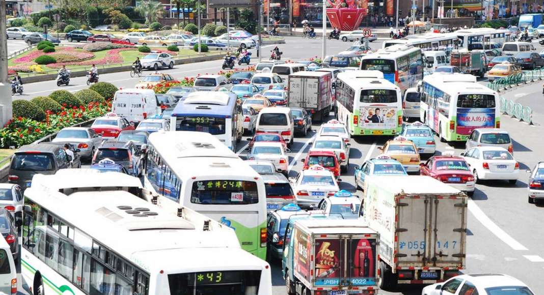 Traffic snarl in Shanghai : Photo © ONU-Hábitat