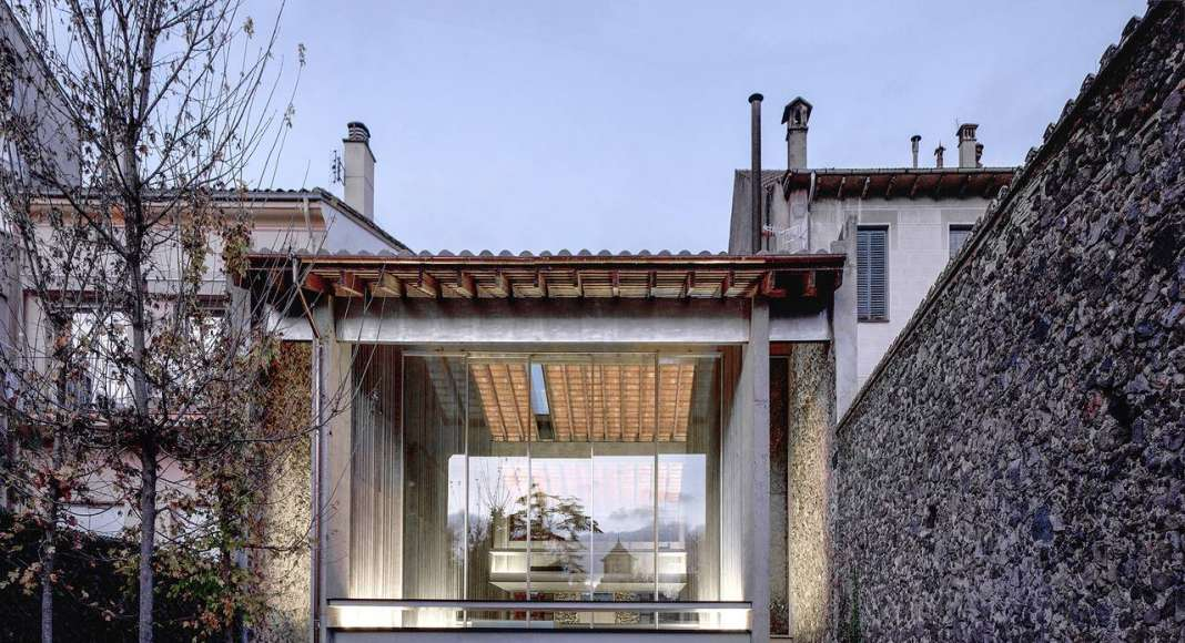 Row House 2012 Olot, Girona, España : Photo by © Hisao Suzuki, courtesy of © The Pritzker Architecture Prize