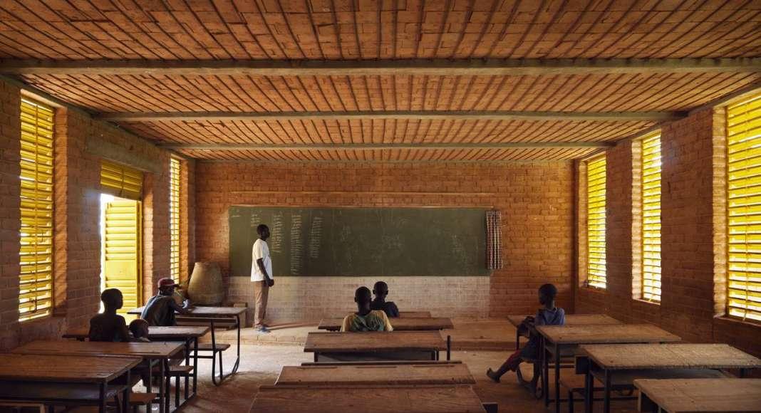 Gando Primary School; Gando, Burkina Faso, 2001 : Photo © Enrico Cano