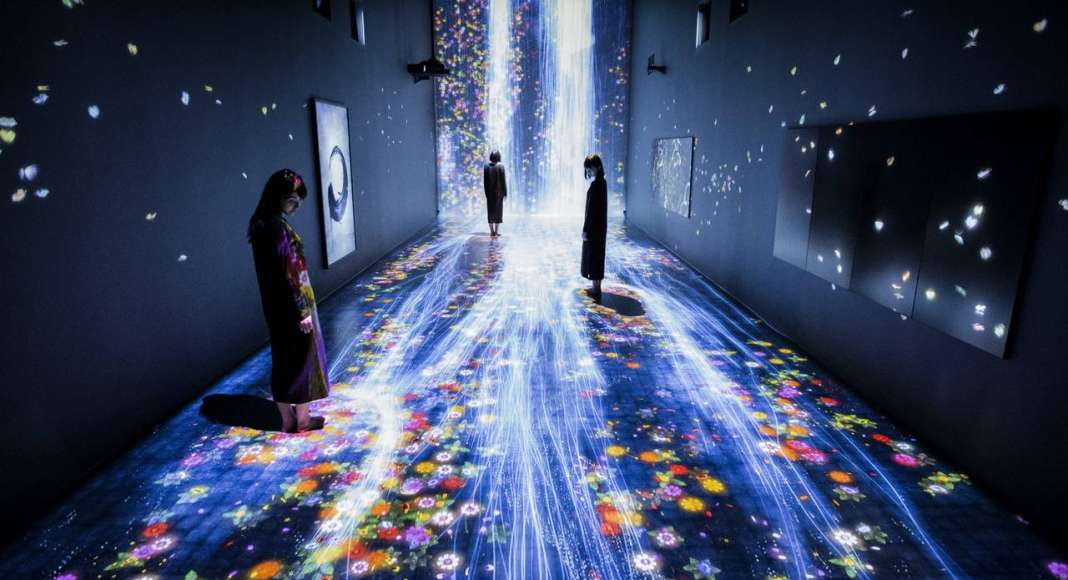 teamLab, 2017, Interactive Digital Installation, Sound: Hideaki Takahashi : Photo © teamLab