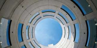 Meteorological Center of the Olympic Village in Barcelona, Spain : Copyright © Duccio Malagamba
