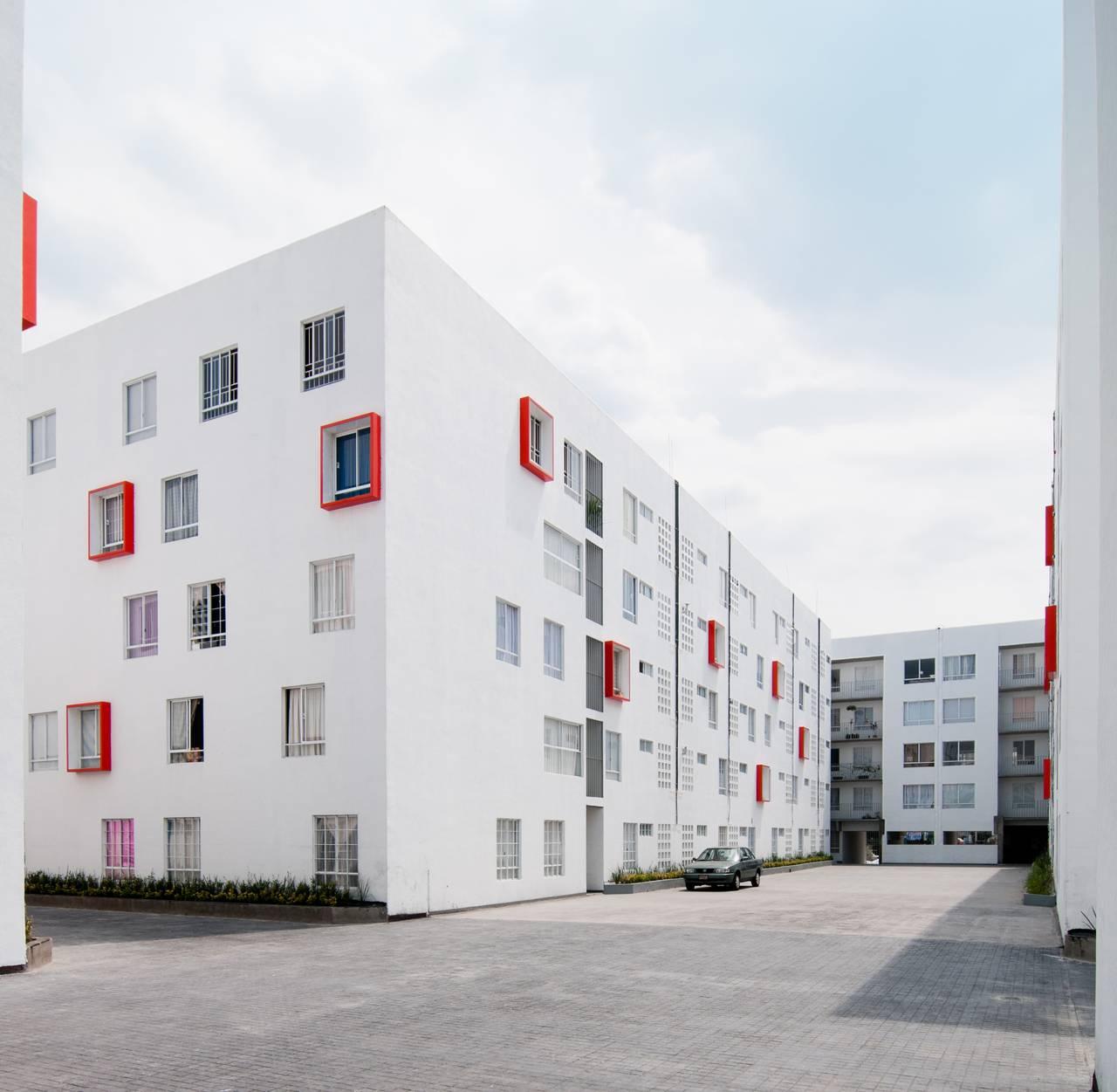 Proyecto de Vivienda Urbana IntegrARA Iztacalco diseñado por a | 911 : Fotografía © Moritz Bernoully