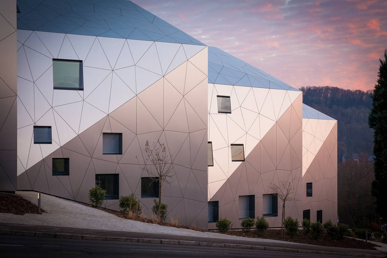 Facade residential building with 15 units Dommeldange, Luxembourg : Photo credit © Steve Troes Fotodesign