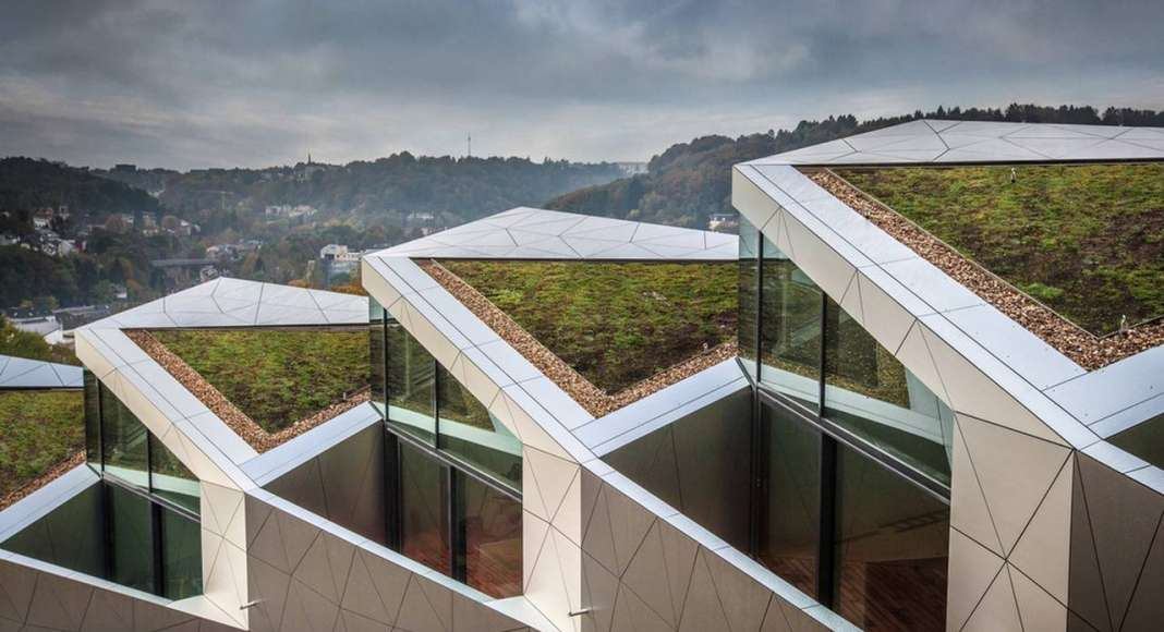 Garden view residential building with 15 units Dommeldange, Luxembourg : Photo credit © Steve Troes Fotodesign