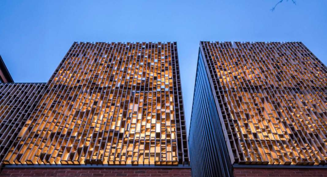 Doble Duplex Wood Brise-Soleil : Photo credit © Doublespace Photography