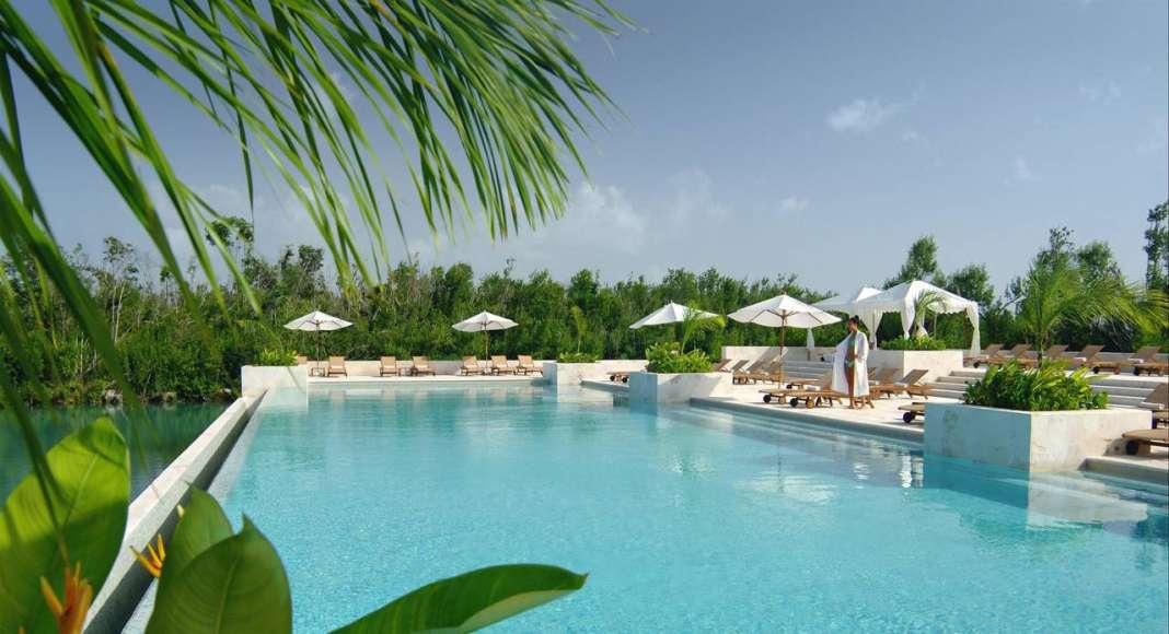 Fairmont Mayakoba Adults Pool : Photo © Mayakoba Resorts
