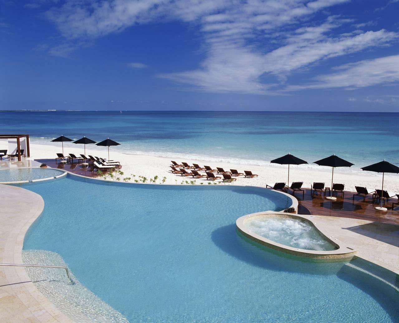 Rosewood Mayakoba Pool View : Photo © Mayakoba Resorts
